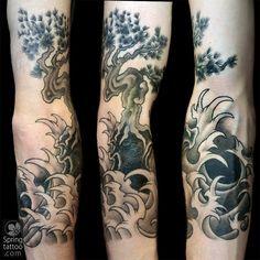 #japanese #waves #tree #tattoo #avivrotshas Posted at http://springtattoo.com/eng/daily-tattoos-and-news/
