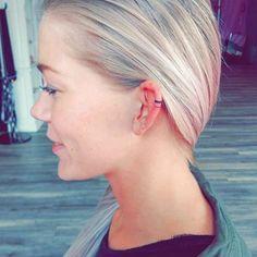 Découvrez les tattoos d'oreille, la nouvelle tendance qui excite les réseaux sociaux