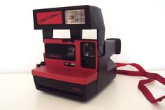 Polaroid COOL CAM rot via POLARISMUS. Click on the image to see more!