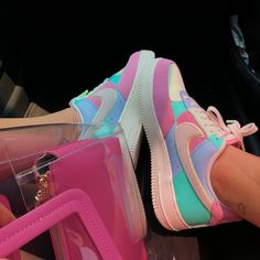 Damenschuhe Sneakers 38 Schuhe Turnschuhe, die immer gut aussehen Choosing The Right Chain Link Fenc Hype Shoes, Women's Shoes, Me Too Shoes, Converse Shoes, Golf Shoes, Neon Shoes, Big Shoes, Roshe Shoes, Aldo Shoes