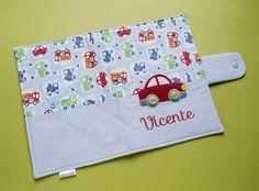 capa para caderneta de vacinação como fazer - Pesquisa Google Handbag Patterns, Baby Room Decor, Couture, Homemade Gifts, Baby Quilts, Gifts For Kids, Manicure, Patches, Baby Shower