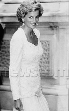 At the charity premiere of Back To The Future: Part II in 1990, Diana opted for a classic white gown and jacket.