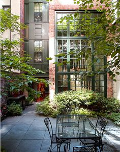 Brooklyn Brownstone Garden Perfection! Paneled section-love