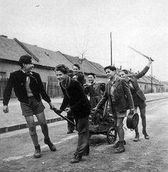 Vasat gyűjtő iskolások 1954