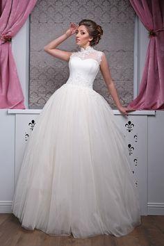 Liana ® Brautmode Berlin - traumhaftes Brautkleid mit der Art.Nr. 131020 Abendmode, Herrenmode
