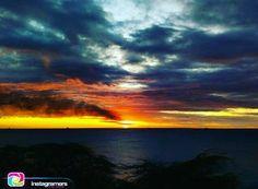 Buenas Noches de la mano de  @igersfalcon  Fotografía: @manucolina Utilizando el HT #Igersfalcon . | | En Paraguana entre naturaleza y un poco de polución. Un rato con el amor de mi vida... . | | #picoftheday #photooftheday #igersvenezuela #socialmedia #photo #sunrise  #instagood #sunset #falcon #venezuela #paraguana #elnacionalweb #phoneography #pic #share #pfgcrew #sky #puntofijoguia by @puntofijoguia