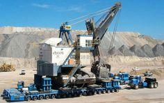 #logistics Big Loads.Moving a 1200-1550 ton P&H cable shovel