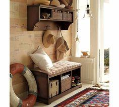 une entrée déco et un meuble vestiaire élégant