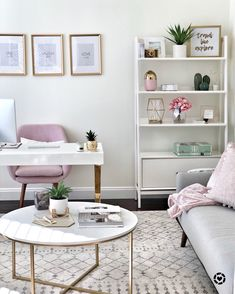 How to create a chic and cozy home office space! This Mama Loves Life Home Office Ideas Chic Cozy create Home Life loves Mama Office space Cozy Home Office, Home Office Space, Home Office Decor, Office Chic, Office Setup, Small Office Decor, At Home Office Ideas, Office Spaces, Spare Room Office