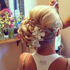 Gorgeous bridal updo!