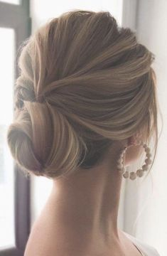 😍💓 These 100 Prettiest Wedding Hairstyles perfect for both wedding Ceremony and Reception 💓💓 Braid , bridal hairstyle,wedding updo hairstyles ,wedding hairstyles weddinghair hairstyles updo hairupstyle hair 335729347224140961 Loose Wedding Hair, Classic Wedding Hair, Wedding Hair And Makeup, Up Dos For Wedding, Up Dos For Prom, Hair Ideas For Wedding Guest, Perfect Wedding, Wedding Party Hair, Wedding Bun