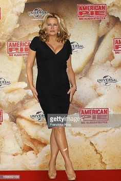Jennifer Coolidge at photocall for the movie American Pie Reunion in Berlin on of March American Pie Cast, American Pie Movies, Two Broke Girl, Jennifer Coolidge, Berlin, Funny Movies, Peplum Dress, Bollywood, Sexy Women