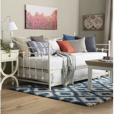 David Daybed with Trundle day bed in a traditional french Inspired design Daybed In Living Room, Daybed Couch, Daybed Room, Daybed With Trundle, Day Bed Decor, Bedroom Decor, Bedding Decor, Rustic Bedding, Modern Bedding