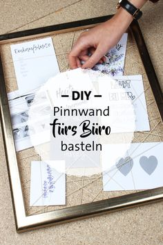 DIY Pinnwand mit Bilderrahmen und Bändern für Bilder … Make a pinboard yourself. DIY pin board with picture frames and ribbons for pictures and notes. Frame Crafts, Fun Crafts, Diy And Crafts, Diy Tumblr, Make Your Own Pins, Make It Yourself, Diy Décoration, Easy Diy, Marco Diy