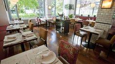 Los diez mejores restaurantes de Madrid abiertos en 2013 Planes, Restaurants, Conference Room, Table Settings, City, Furniture, Home Decor, Airplanes, Diners