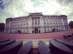 Buckingham palace during daytime. #buckinghampalace #london #unitedkingdom #adventure_culture #sabahanlovestravel #gopro #instagram by sabahanlovestravel