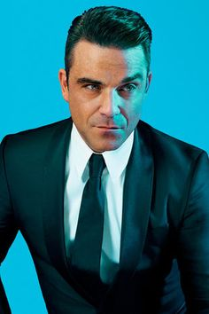 Robbie Williams #suits up for GQ Deutschland