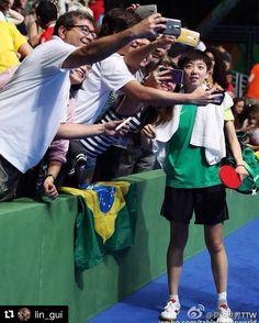 Complementando o update anterior da @teeeetchy e o comentário do @caioblumer essa imagem de Lin Gui do @cbtenisdemesa brasileiro diz muito: é assim com acolhimento orgulho e afeto que devemos nos relacionar com nossos atletas.   #Repost @lin_gui  Pois é cada ponto vibração e cada vitória é para vocês. Obrigada torcida! Não tenho palavras para expressar a sensação de jogar uma Olimpíada em casa é um momento único na vida vocês são tão lindos! É uma grande honra poder representar esse pais e…