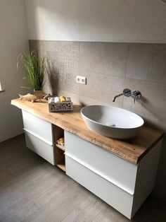 Wc Design, Bathroom Interior Design, Kitchen Flooring, Bathroom Inspiration, Home And Living, Small Bathroom, Sweet Home, New Homes, Vanity
