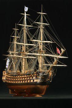 """Среднего размера фотография модели корабля """"Трех Иерархов"""""""