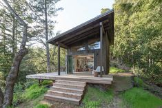 Cabin Loft, Tiny House Cabin, Tiny House Plans, Tiny Cabin Plans, Eco Cabin, Tiny House Village, Make 2017, Croquis 3d, Small Modern Cabin