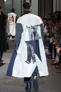 Yohji Yamamoto Spring 2017 Menswear Fashion Show Zippertravel Runway Fashion, High Fashion, Fashion Show, Fashion Design, Fashion Trends, Fashion Styles, Womens Fashion, Yohji Yamamoto, Japanese Fashion