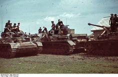Bundesarchiv Bild 169-0116, Russland, Panzersoldaten auf Panzer IV, pin by Paolo Marzioli
