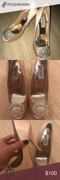 Badgley Mischka Pink Wedding Shoes Only worn to try on .. very slightly wear .. can pair up with any wedding dress or evening wear. Badgley Mischka Shoes Heels