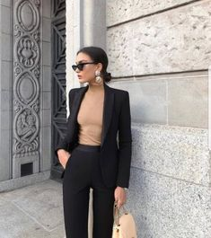Beige Look From Zara – Mode Outfits Zara Outfit, Beige Outfit, Black Blazer Outfits, Black Work Outfit, Dress With Blazer, Women Blazer Outfit, Black Office Dress, Blazer Suit, Zara Fashion