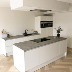 When to procure a dwelling or leased an Business office House, another point you will visualize is c Cosy Kitchen, Home Decor Kitchen, Kitchen Interior, New Kitchen, Home Kitchens, Kitchen Ideas, Rustic Kitchen Design, Kitchen On A Budget, Kitchen Styling