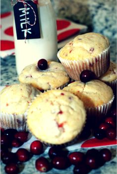 Raise your hand if you like muffins! Okay, so now raise it if you would love an awesome #cranberry #muffin recipe!. #ad #jbbb #muffin #cranberry #timetobelive