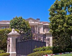 I always love a grand home and impressive entry gates.