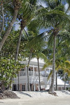 A trip to New Providence in the Bahamas - dream home and location