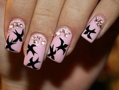 Nail polish is the hottest accessory right now! If you are in desperate need of a change in why not make a statement with your nails! We have found 21 Spring Nail Trends for that we know you you will love! Fancy Nails, Love Nails, Pretty Nails, Manicure Rose, Manicure Y Pedicure, Manicure Ideas, Spring Nail Trends, Spring Nails, Winter Nails