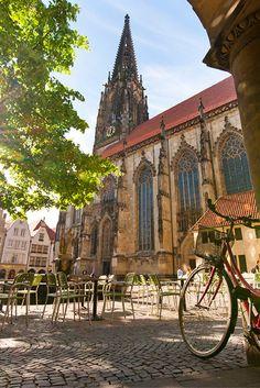 """48 Stunden in Münster: Ob mit dem Fahrrad oder zu Fuß - Die Stadt Münster, wurde 2004 zur """"lebenswertesten Stadt der Welt"""" gekürt. Lass Dich von ihren Vorzügen überzeugen!"""