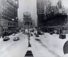January 11-12, 1954 – Biggest Snowstorm In Five Years Hits New York