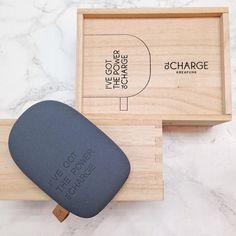"""""""Har du problem med att batteriet i telefonen alltid tar slut.. toCharge från Kreafunk har lösningen! Ladda vart du vill. Batteriet passar både till iPhone…"""""""