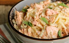 CAJUN SHRIMP ALFREDO Rich salmon makes this scrumptious Cajun Salmon Alfredo seem way more decadent than it really is. Perfect for guests or busy weeknight nights! Seafood Pasta Recipes, Cajun Recipes, Salmon Recipes, Fish Recipes, Cooking Recipes, Healthy Recipes, Healthy Dinners, Paula Deen, Fish Dishes