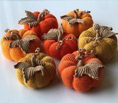 Crochet Pumpkin Home Decor Fruits En Crochet, Crochet Food, Crochet Gifts, Cute Crochet, Knit Crochet, Autumn Crochet, Crochet Pumpkin Pattern, Halloween Crochet Patterns, Crochet Circles