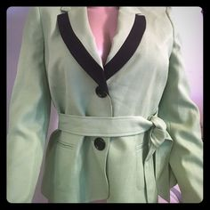 NWT Le Suit Color-Block sz16P 2 pc with wrap belt Very pretty Le Suit 2 piece, pants & jacket. Green top color block, black pants. 2nd pic shows true color. Plus size for petite women. 16P. The pants have a comfort elastic waist, the Jacket is perfect in Length with a tie around belt. Flattering V-cut neckline, wrap belt, large front pockets! Beautiful color contrast!  Retail close to $200.00. Ships fast! This is seriously a HOT SUIT! Enjoy! Le Suit Pants