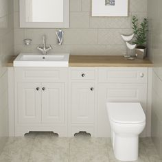 Have a look at this approach for a creative idea altogether. Cloakroom Toilet Downstairs Loo, Bathroom Tub Shower, Bathroom Design Small, Bathroom Layout, Bathroom Ideas, Bathroom Photos, Bathroom Storage, Tiny Bathrooms, Upstairs Bathrooms