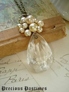 Necklace. Chandelier crystal and vintage pearls