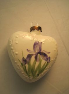 Vintage-Handpainted-Porcelain-Iris-Flower-Ornament