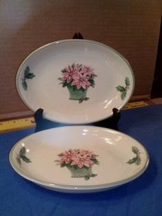 ENDS TODAY! 2 - Pfaltzgraff Poinsettia Basket & Holly Leaf Berry Oval Plates FREE SHIPPING #Pfaltzgraff