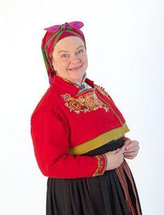 Anne Marit Jacobsenbruker bunad så ofte hun kan(hele artikkelen) - Magasinet Bunad