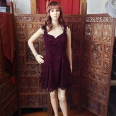Fun, sparkly party dress, fully lined Jump brand burgundy sleeveless sparkly, short party dress, size 7/8, with sweetheart neckline, suede texture overlay, fully lined with zipper back - looks beautiful when the light hits it! Jump Dresses Midi