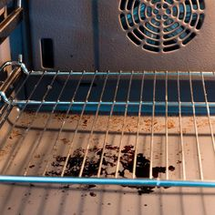 How to Steam Clean Your Oven — The Family Handyman Oven Cleaning Hacks, Speed Cleaning, Household Cleaning Tips, House Cleaning Tips, Diy Cleaning Products, Cleaning Solutions, Spring Cleaning, Cleaning Stove, Weekly Cleaning