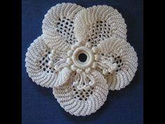 Tiara, diadema, vincha, banda para el cabello, en crochet, punto fantasía Materiales: cristal 25 grs ganchillo # 6