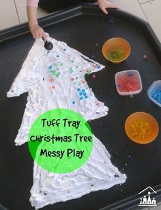 Christmas Tree Messy Play - Crafty Kids at Home - T is for tree. Christmas Tree Messy Play in a tuff tray using shaving foam and waterbeads. Xmas Crafts, Christmas Crafts For Kids, Christmas Themes, Winter Christmas, Kids Christmas, Diy Crafts, Tuff Spot, Christmas Activities For Toddlers, Preschool Christmas