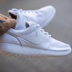 Buty Nike Roshe One (599729 102)  sklep:http://e-sporting.pl/buty-nike-roshe-one-599729-102,40,5760,7881